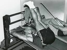 Incline Reverse Crunch Arnold