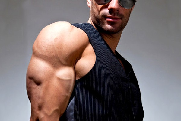 Biceps And Triceps Workout Routine For HUGE Gains (+ Tips)